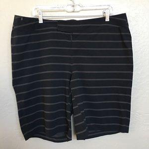Lululemon shorts size 38